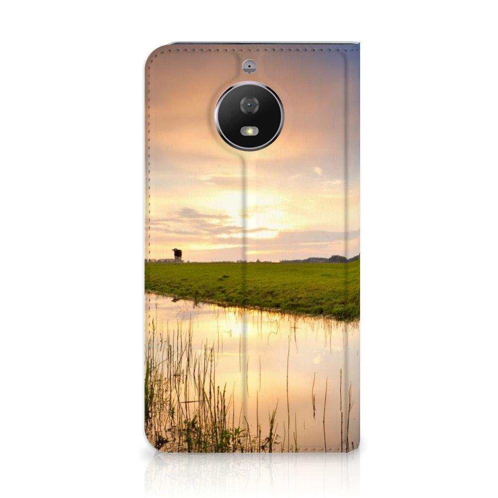 Motorola Moto G5S Standcase Hoesje Design Koe