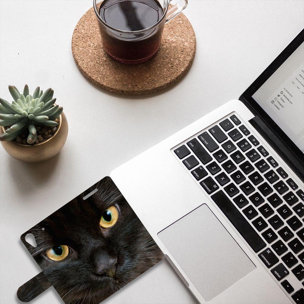 HTC Desire 628 Telefoonhoesje met Pasjes Zwarte Kat
