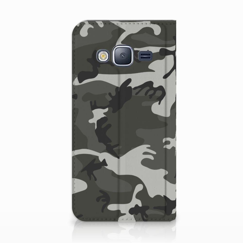 Samsung Galaxy J3 2016 Uniek Standcase Hoesje Army Light