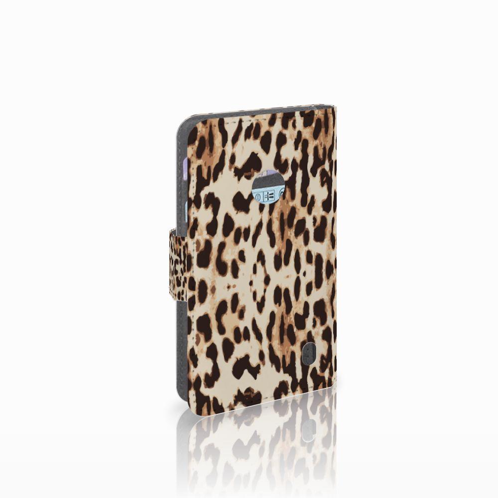 Nokia Lumia 520 Telefoonhoesje met Pasjes Leopard