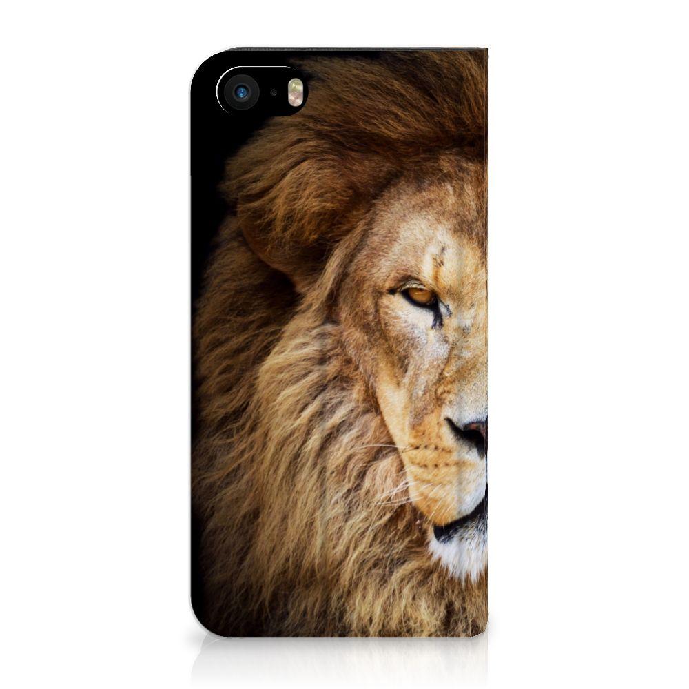 iPhone SE 5S 5 Standcase Hoesje Design Leeuw