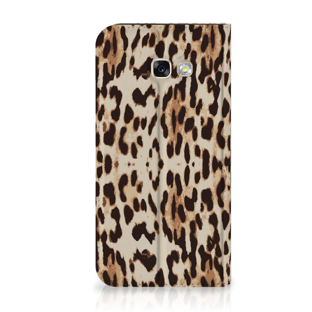 Samsung Galaxy A5 2017 Uniek Standcase Hoesje Leopard
