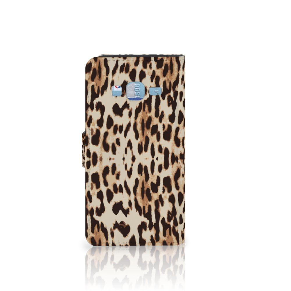 Samsung Galaxy J3 2016 Telefoonhoesje met Pasjes Leopard
