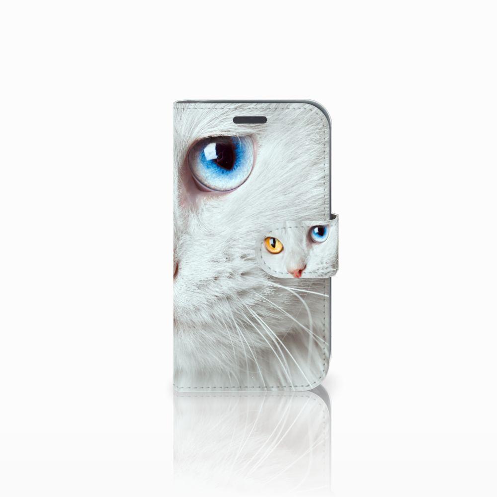 Samsung Galaxy J1 2016 Telefoonhoesje met Pasjes Witte Kat