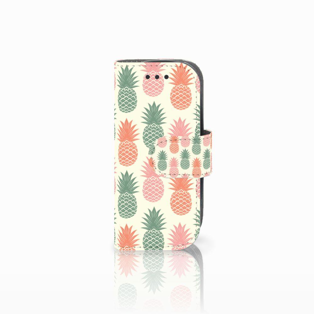 Nokia 3310 (2017) Boekhoesje Design Ananas