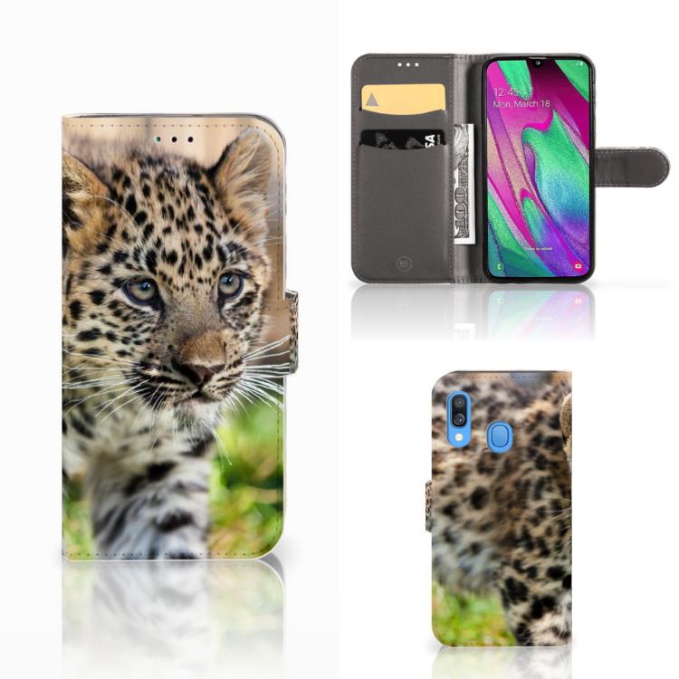 Samsung Galaxy A40 Telefoonhoesje met Pasjes Baby Luipaard