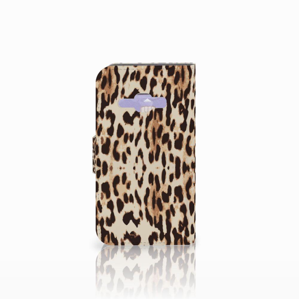 Samsung Galaxy J1 2016 Telefoonhoesje met Pasjes Leopard
