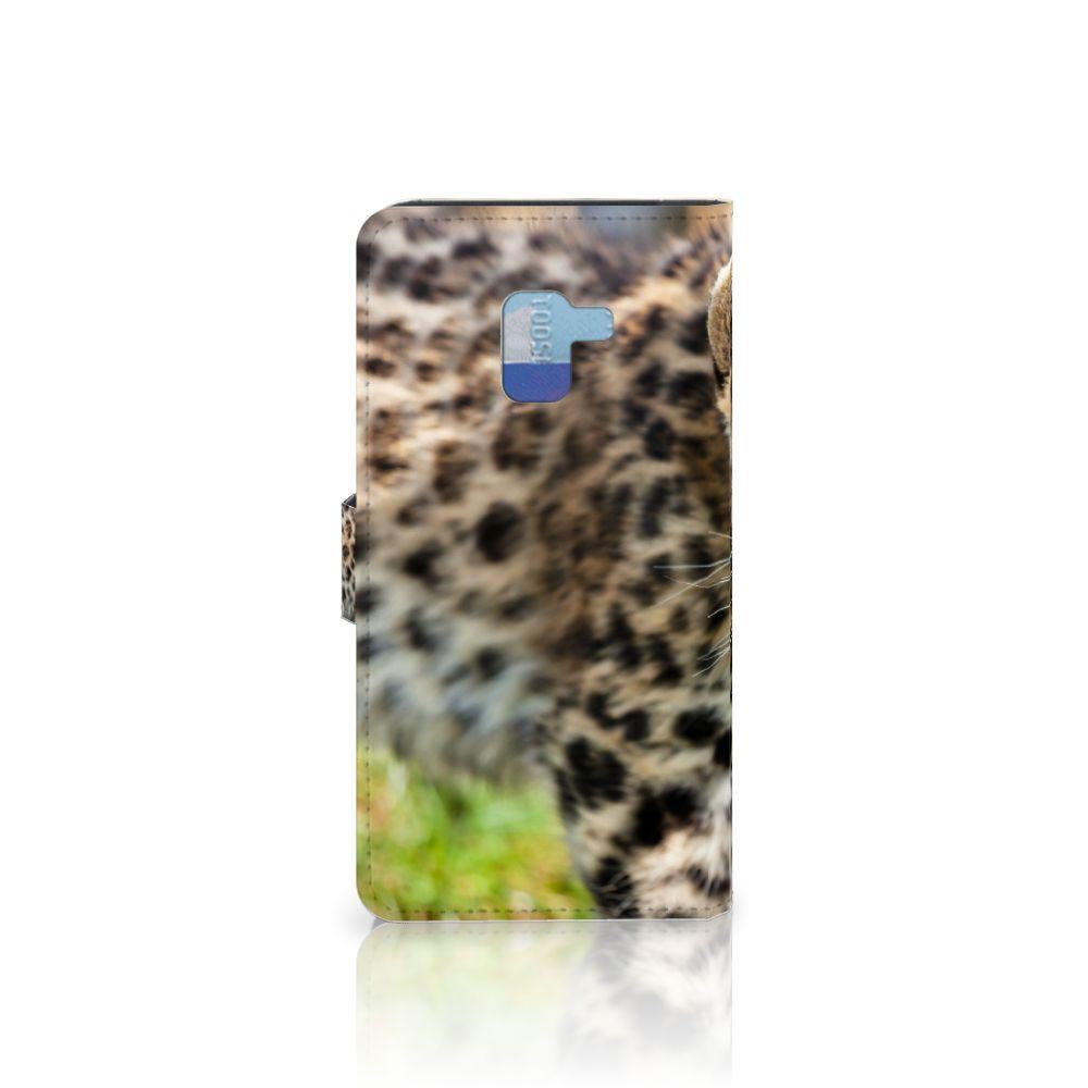 Samsung Galaxy A8 Plus (2018) Telefoonhoesje met Pasjes Baby Luipaard