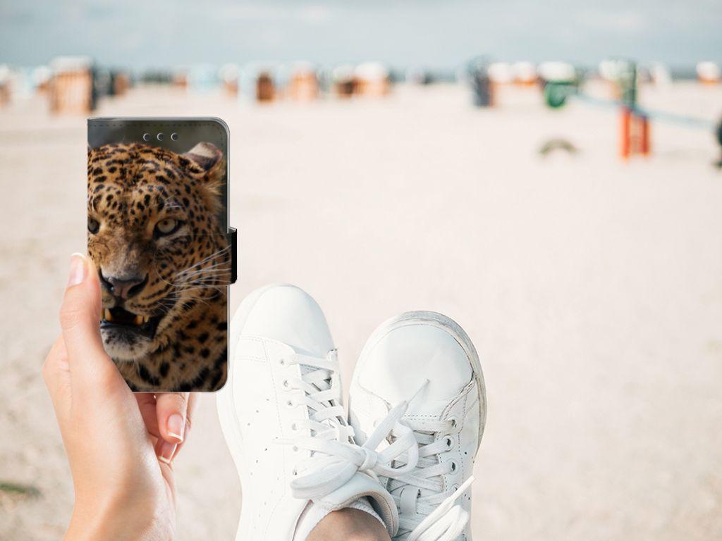 Samsung Galaxy A3 2016 Telefoonhoesje met Pasjes Luipaard