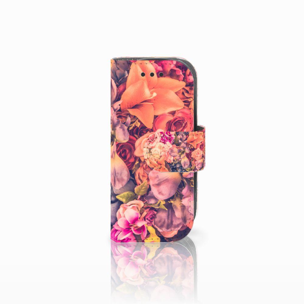 Nokia 3310 (2017) Boekhoesje Design Bosje Bloemen