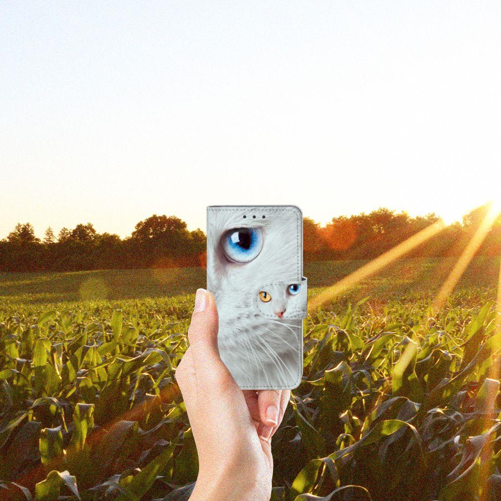Samsung Galaxy A3 2015 Telefoonhoesje met Pasjes Witte Kat