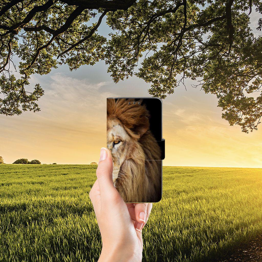 Samsung Galaxy J5 (2015) Telefoonhoesje met Pasjes Leeuw