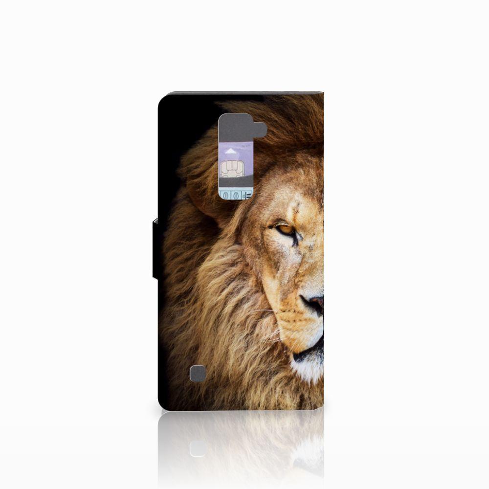 LG K10 2015 Telefoonhoesje met Pasjes Leeuw