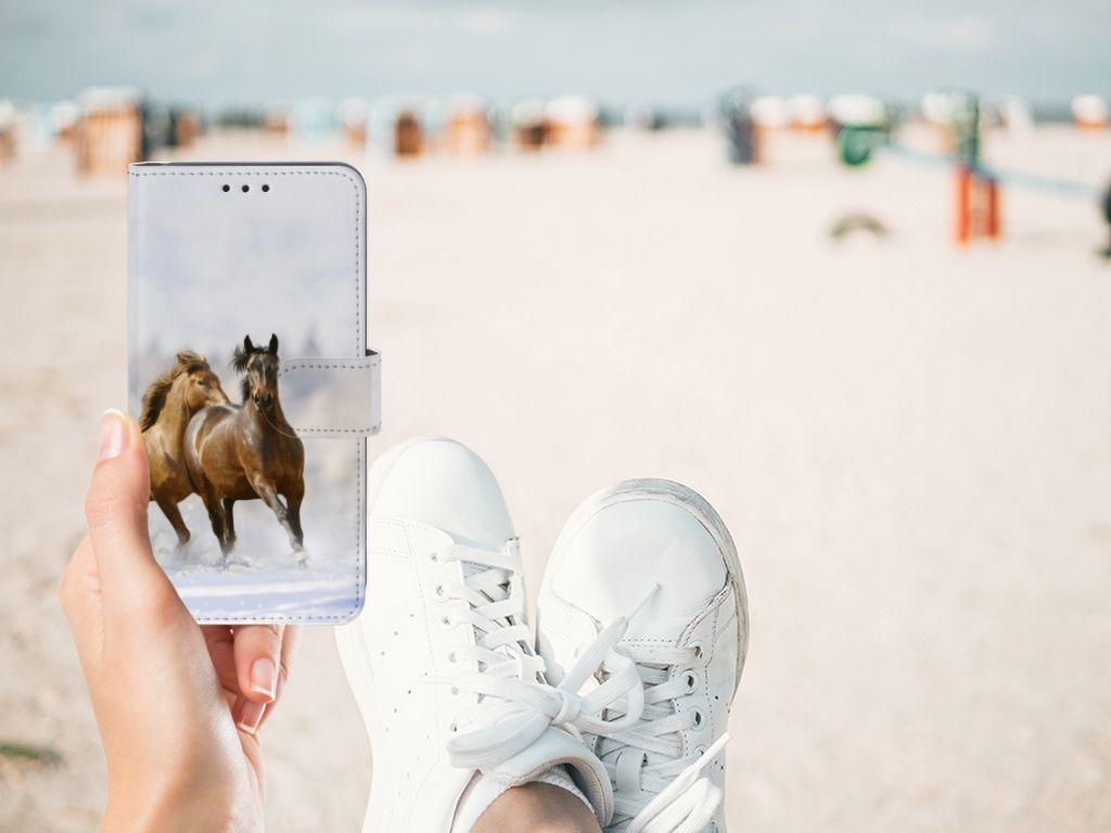 Samsung Galaxy A8 2018 Telefoonhoesje met Pasjes Paarden