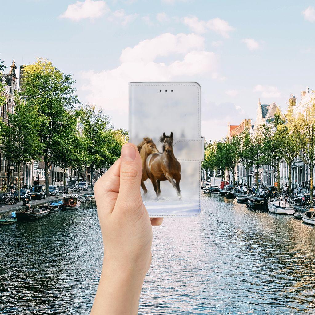 Samsung Galaxy J7 2016 Telefoonhoesje met Pasjes Paarden