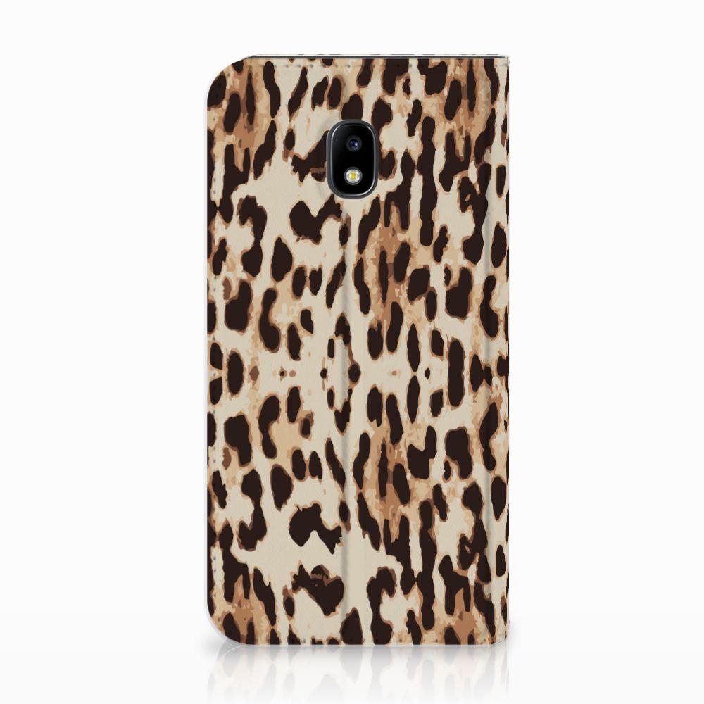 Samsung Galaxy J3 2017 Uniek Standcase Hoesje Leopard