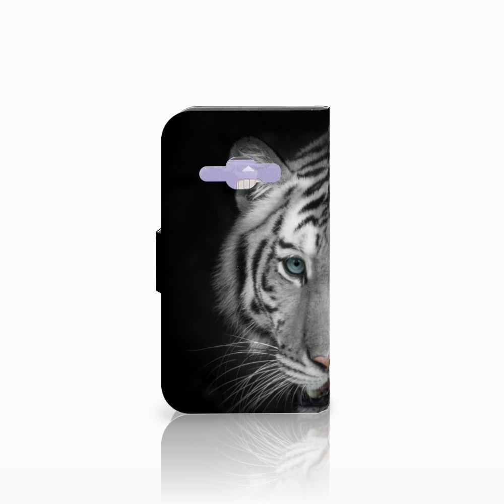 Samsung Galaxy J1 2016 Telefoonhoesje met Pasjes Tijger