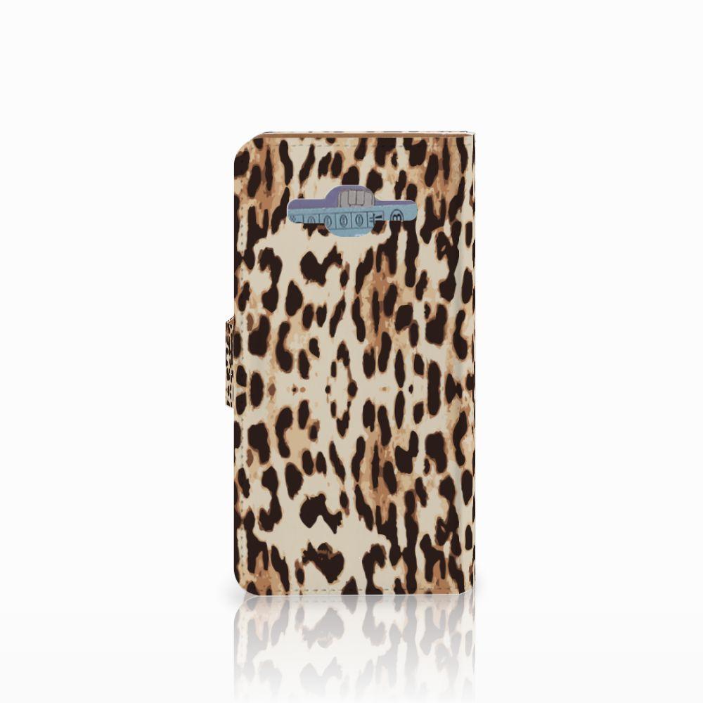 Samsung Galaxy J2 2016 Telefoonhoesje met Pasjes Leopard