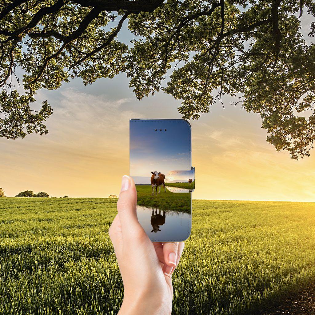 iPhone 7   8   SE (2020) Telefoonhoesje met Pasjes Koe