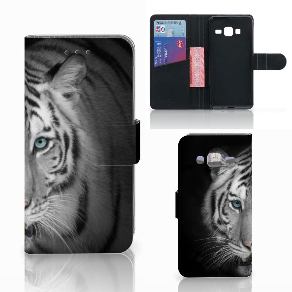 Samsung Galaxy J3 2016 Telefoonhoesje met Pasjes Tijger